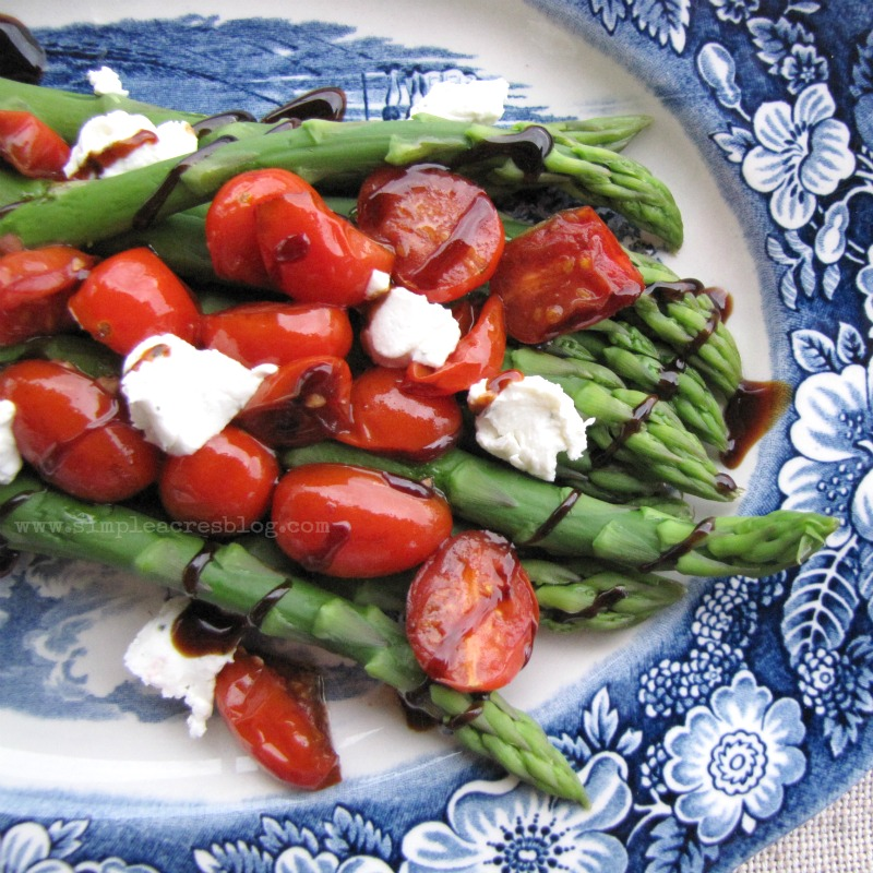 basalmic asparagus with tomatoes and goat cheese