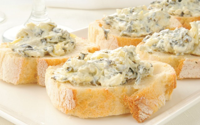 Delicious and Simple Spinach Dip