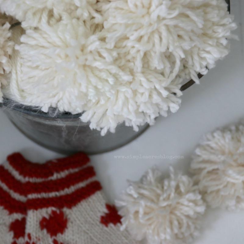 yarn-snowball-diy
