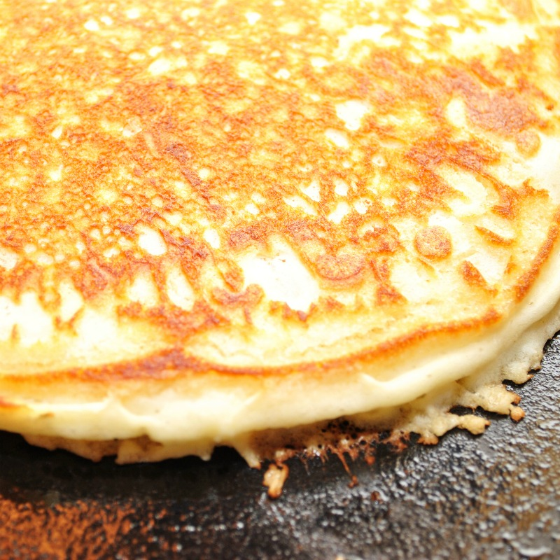 I am excited to share with you my Weight Watchers Pumpkin Pancake Recipe. A delicious recipe simple to make with minimal ingredients!
