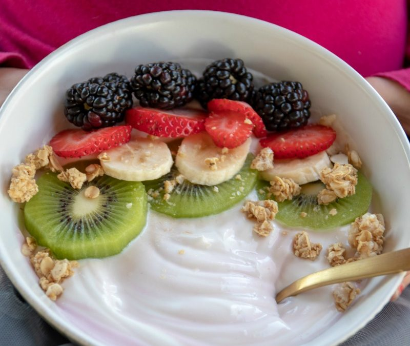 Yogurt Berry Bowl with Oikos Greek Yogurt