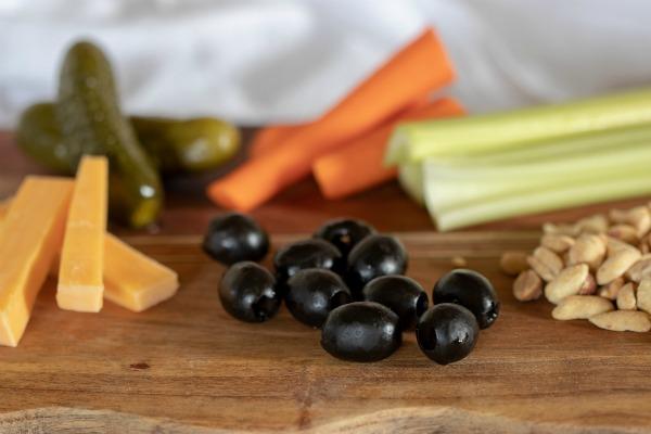 11 Delicious Low Carb Snacks