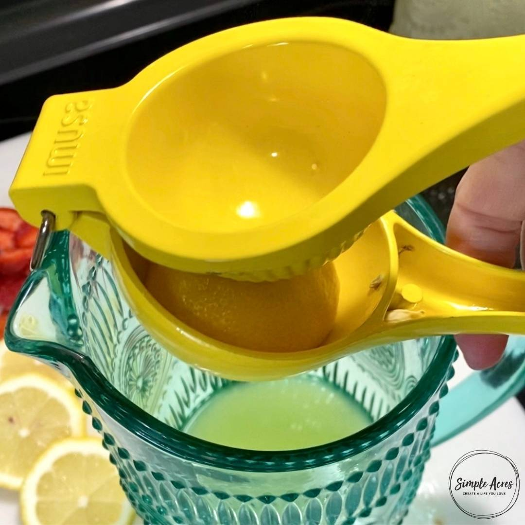 squeeze lemon